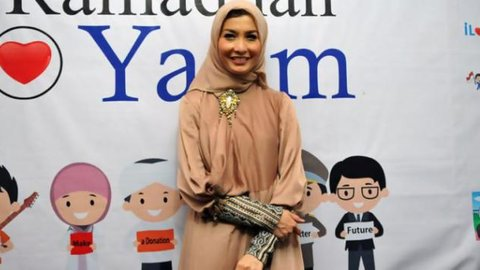 Bantah Selingkuh,  Ngapain Arzetti di Hotel Bareng Anggota TNI?