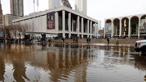 FOTO: Banjir Genangi Jalan dan Stasiun Kereta Bawah Tanah di New York