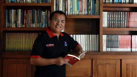 Dari Wakil Menteri hingga Dosen, Denny Indrayana Maju Pilgub Kalsel