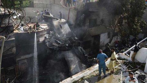 Kecelakaan Pesawat di Pakistan, 76 Orang Dinyatakan Tewas