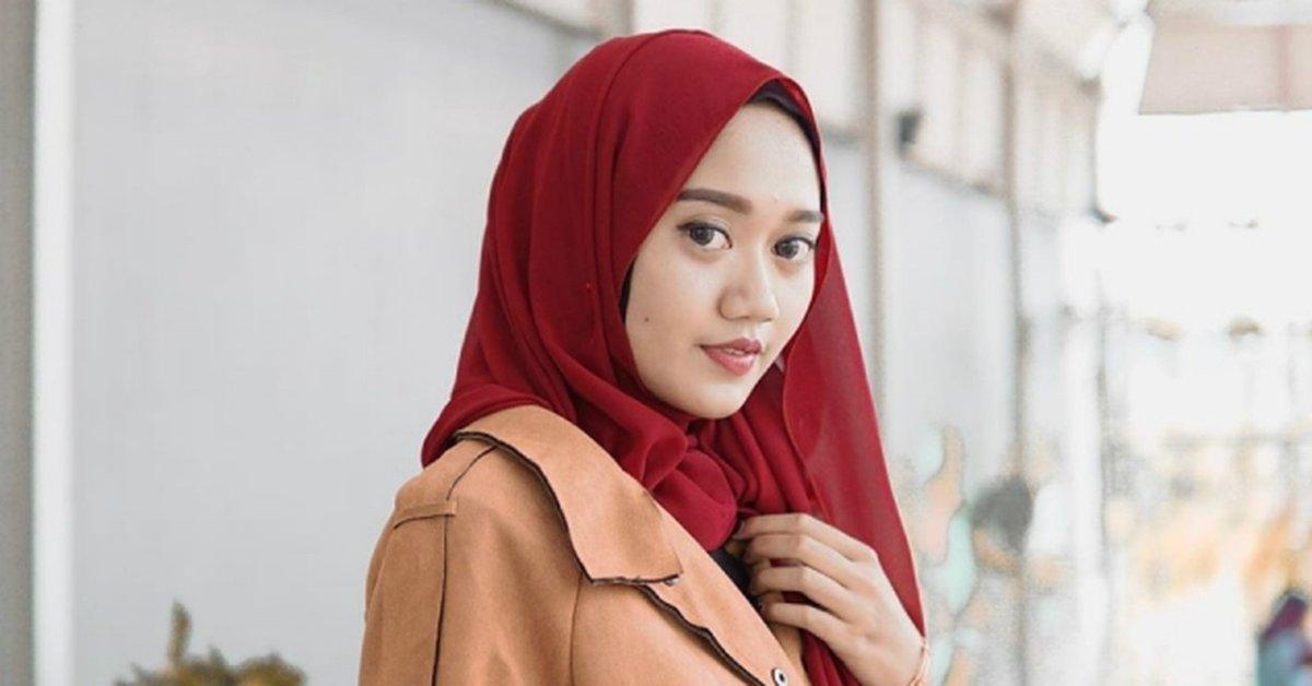 5 Gaya Hijab Segiempat Ala Shella Anggita Cukup 5 Menit Kurio