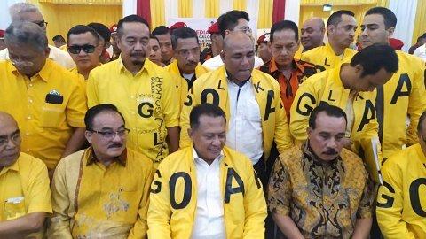 Bambang Soesatyo mengembalikan formulir pendaftaran dan berkas pencalonan ketua umum Golkar ke DPP Golkar, Slipi, Jakarta Barat, Senin (2/12). Foto: Maulana Ramadhan/kumparan