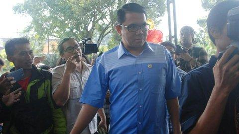 Tembus Rp 13 M, Ini Aset-Aset Anggota DPR Arteria Dahlan yang Mendebat Emil Salim