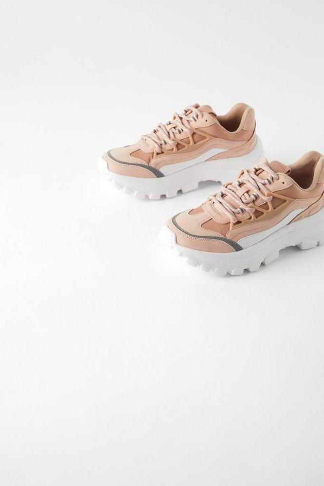 Sneakers. (Zara.com/id)