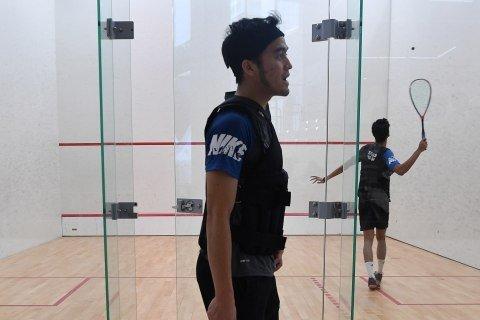 Pemain timnas squash Indonesia mengikuti pelatnas SEA Games 2019 di Lapangan Squash, Kompleks GBK, Jakarta, Kamis (31/10/2019). Foto: ANTARA FOTO/Sigid Kurniawan