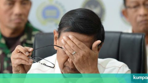 Seskab: Pak Wiranto Selesai Dioperasi 3 Jam, Sekarang di ICU