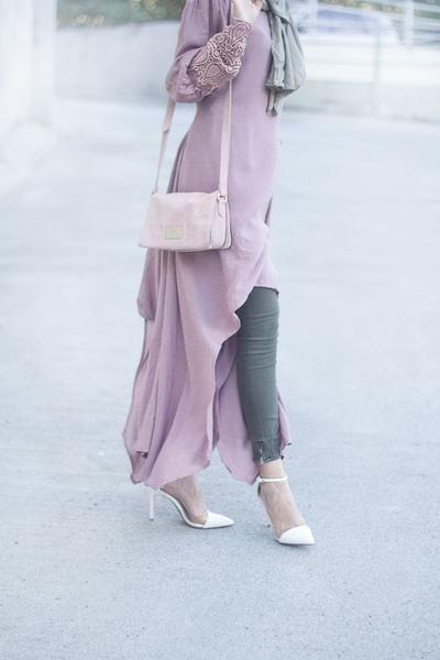 Inspirasi Padu Padan Warna Hijab Ungu Yang Cantik Dan Kekinian