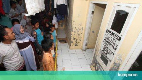 Foto: Penggeledahan Rumah 2 Penyerang Wiranto