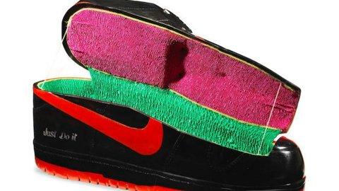 Hypebeast Bergaya di Liang Kubur: Ngobrol sama Seniman Peti Mati Berbentuk Sneaker Nike