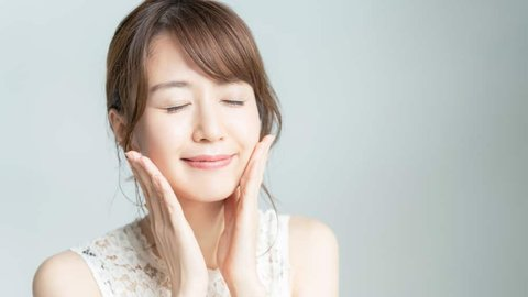 4 Langkah Skincare Malam yang Ampuh Atasi Bekas Jerawat Membandel