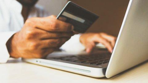 Hafal Ribuan Nomor Kartu Kredit, Karyawan Toko di Tokyo Menggila Belanja Online Ilegal