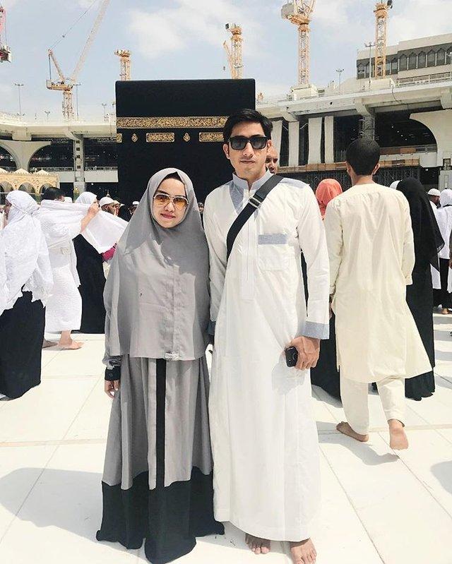 Medina Zein dan suami. (Instagram/@medinazein)
