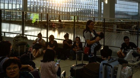 Bandara Hong Kong Kembali Beroperasi, 200 Penerbangan Masih Dibatalkan
