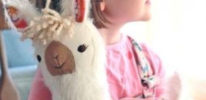 ... boneka dengan karakter hewan pun cocok untuk diberikan kepada anak  laki-laki. BP-Guide punya rekomendasi boneka-boneka imut dengan harga Rp  100 Ribuan. 9038f029a4