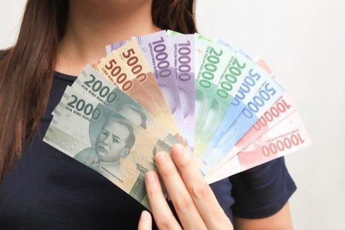 Ilustrasi uang. (Shutterstock)