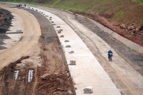 Ilustrasi pembangunan jalan tol. Foto: Aditya Pradana Putra/Antara Foto