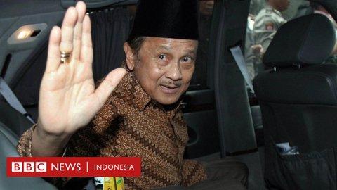 Bacharuddin Jusuf Habibie, mantan presiden yang melembagakan demokrasi di Indonesia, meninggal dunia