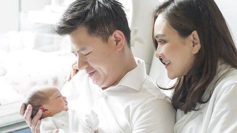 Potret Kebahagiaan Shandy Aulia dan David Dikaruniai Bayi Perempuan