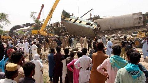 Tabrakan Kereta di Pakistan, 40 Penumpang Tewas 120 Luka-luka
