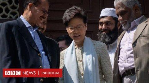 Masjid terkena semprotan meriam air, pemimpin Hong Kong Carrie Lam meminta maaf