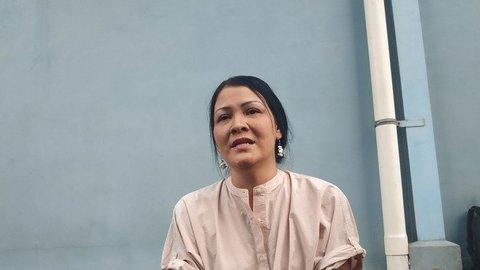Melanie Subono Dampingi BJ Habibie saat Tutup Usia