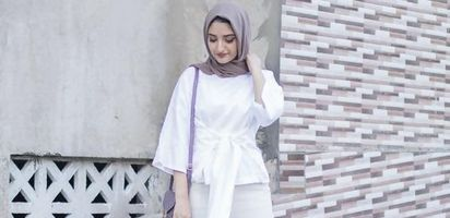 Yuk Tampil Cantik Ke Kantor Dengan Padu Padan Celana Kulot Hijab