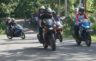 Touring Perdana Gi Joe Ajak Anak Anak Warnai Helm