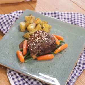 Steak with Spicy Chocolate Sauce