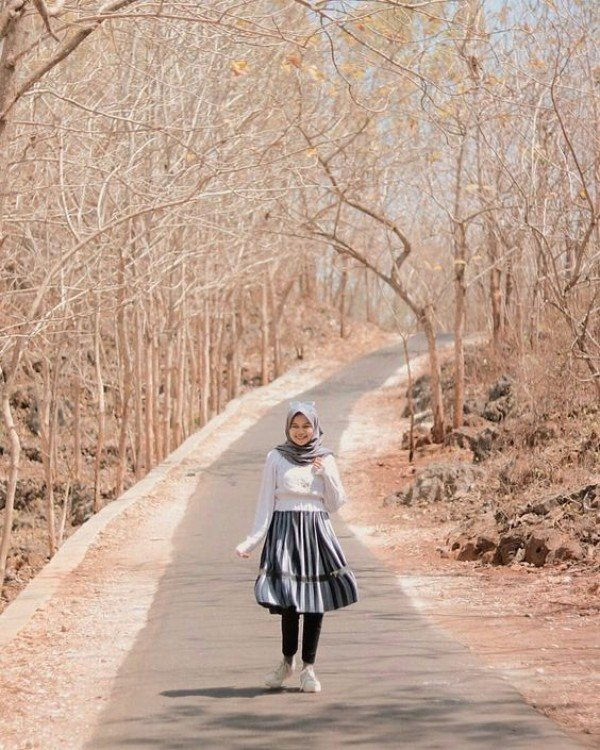10 Ide Mix And Match Rok Pendek Untuk Hijab Outfit Kurio