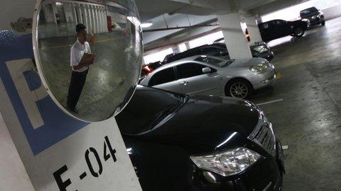 KPPU Dalami Dugaan Monopoli Pembayaran Parkir di Mall
