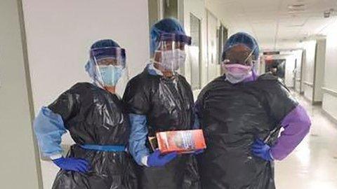 Dokter, Perawat di Eropa dan Amerika Pakai Plastik Sampah Hadapi Pandemi Corona
