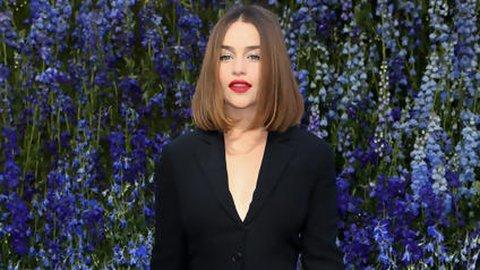 Jadi Wanita Terseksi di Dunia, Emilia Clarke Pose Tanpa Busana