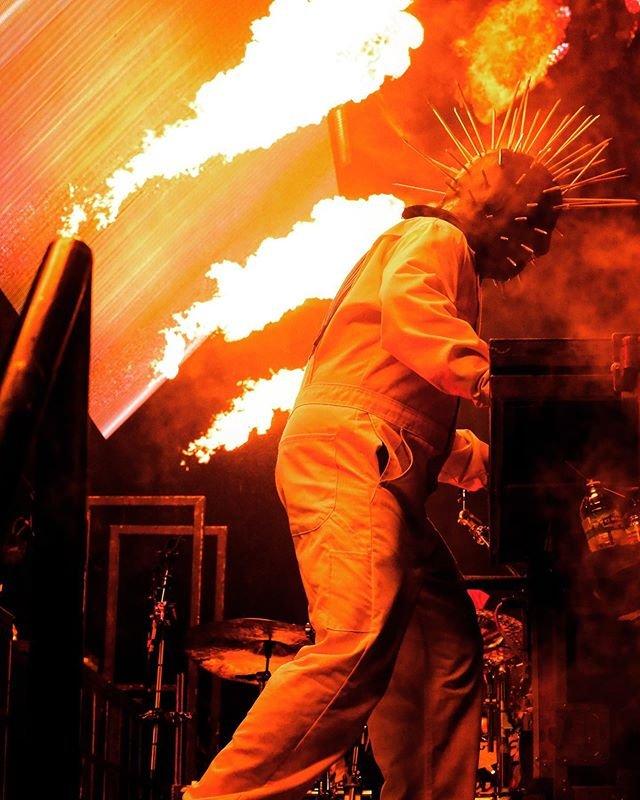 Begini aksi para personel Slipknot saat di atas panggung, (Instagram/@slipknot).